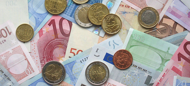 A picture of some Euro banknotes and various Euro coins. Photo taken by myself on October 14th 2006. May be used freely, although ECB's banknote image restrictions may apply. My interpretation of those rules is that as long as at most 1/3rd of the bankno